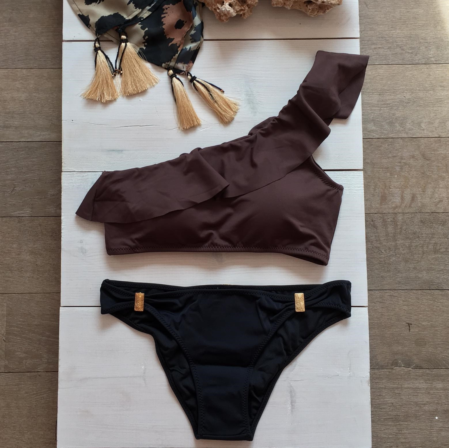One Shoulder Bikini Brown & intermedium Bikini Bottom Black