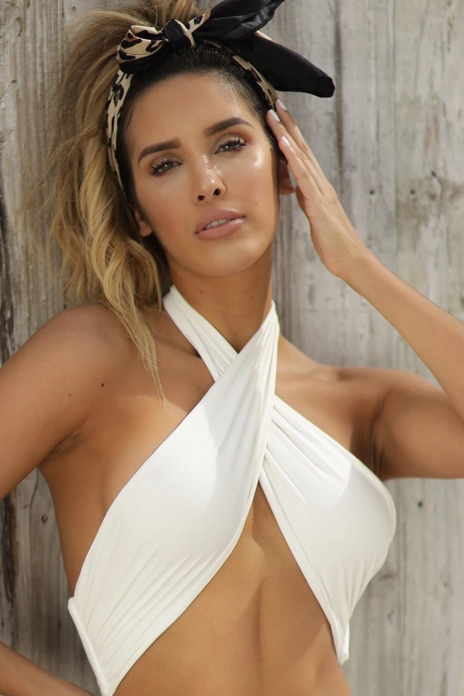 Almamia Witte Bandeau Bikini Top