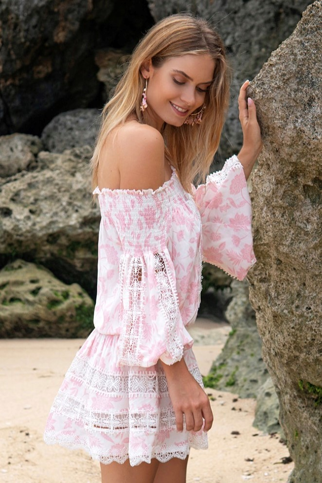 Miss June Korte Off Shoulder jurk Maeva