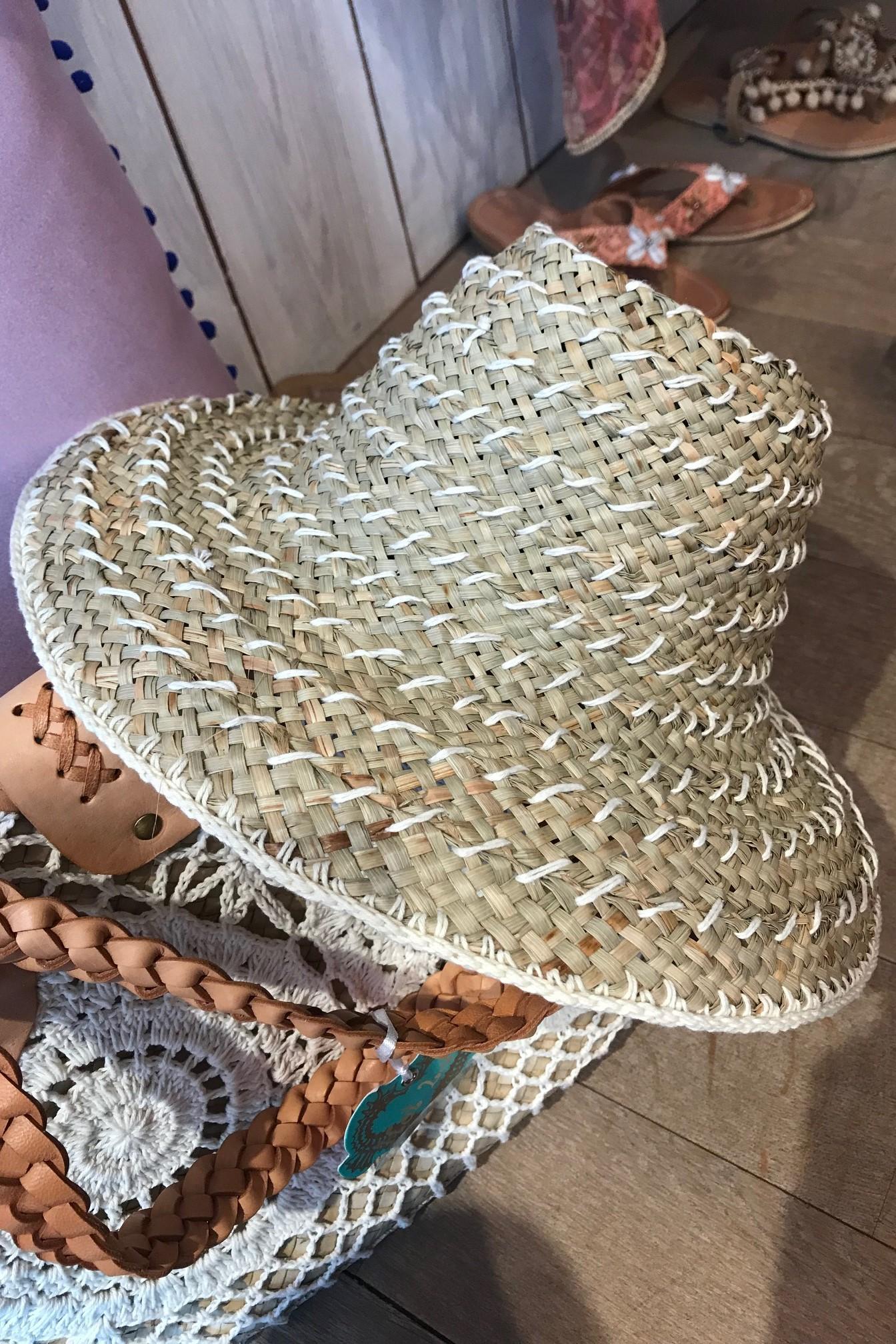 Hot Lava Crochet & Zeegras Hoed Ivoor