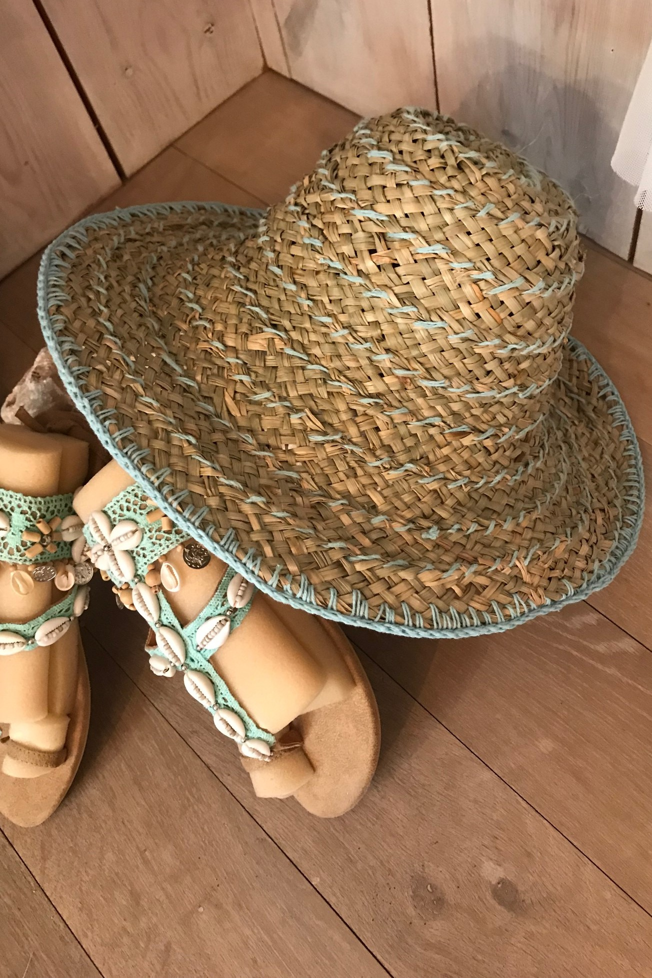 Hot Lava Crochet & Zeegras Hoed Azure